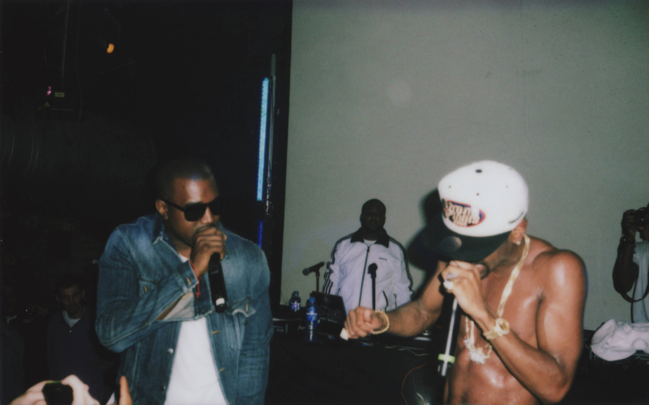 'Kanye first and im coming afterrrrr' @dexternavy X Big Sean - First London Show