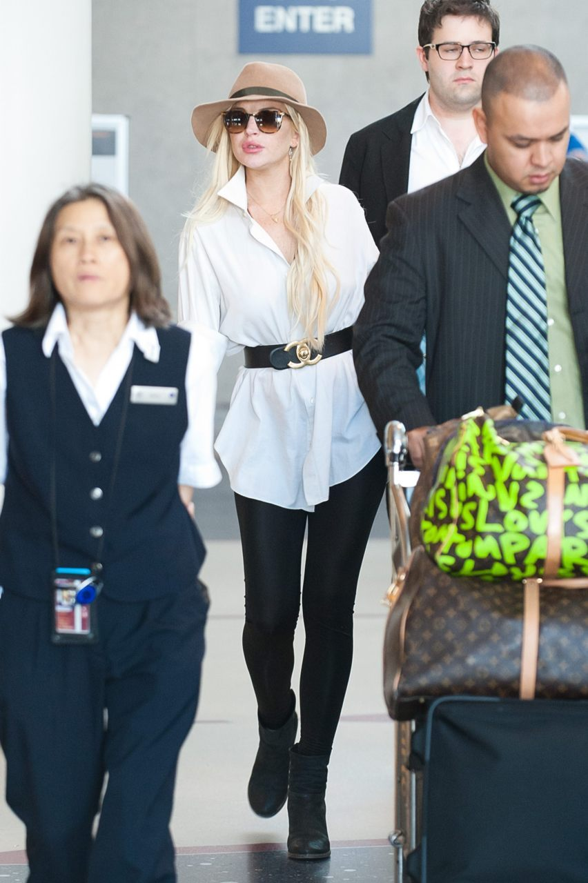Lindsay Lohan arrives at LAX Airport - August 16, 2011