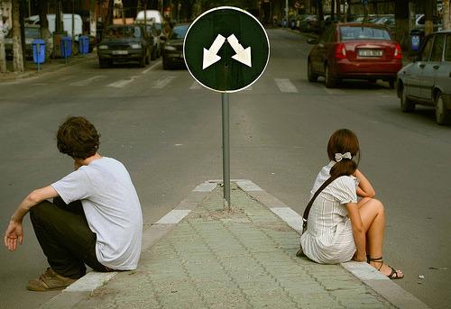 Já parou pra pensar que o amor da sua vida pode estar ao seu lado, mas você ainda não percebeu por que está olhando pra direção errada, se preocupando com alguém que não dá a mínima pra você? (mysecond-life)