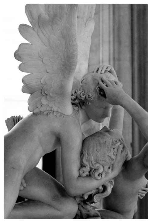 Cupid and Psyche in the Louvre.