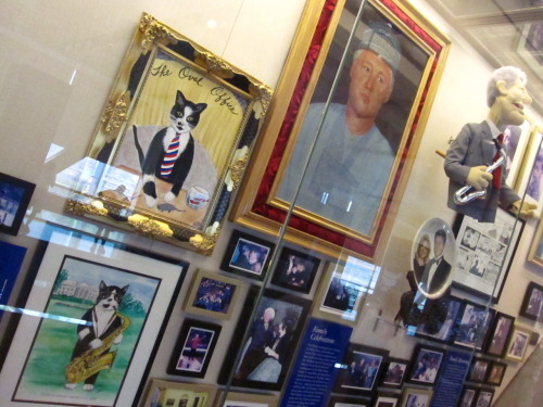 notentirely:  clinton museum ~ little rock, arkansas  I want that picture of Socks with the Sax