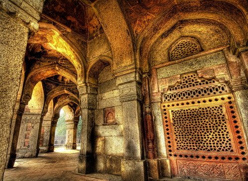 The Secret Chambers of Beautiful India by Stuck in Customs on Flickr.Via Flickr: I am thankful to my host Anil who was able to set me up with some amazing guides that took me to the most unusual and seemingly secret places.  It was just amazing… the only downside is that I am sworn to secrecy on the location.  In case anyone else has ever been there, then there is more than one iota of a chance that this crazy place called the internet will soon tell you where this place is.  The internet has a habit of finding out such things. Doesn't this want to make you pack your bags for a week's adventure?  What's stoppin' ya?!!   (I mean, other than excuses) See it large on my blog at stuckincustoms.com/2008/04/26/the-secret-chambers-of-beau…  Via travel-in-india.tumblr.com