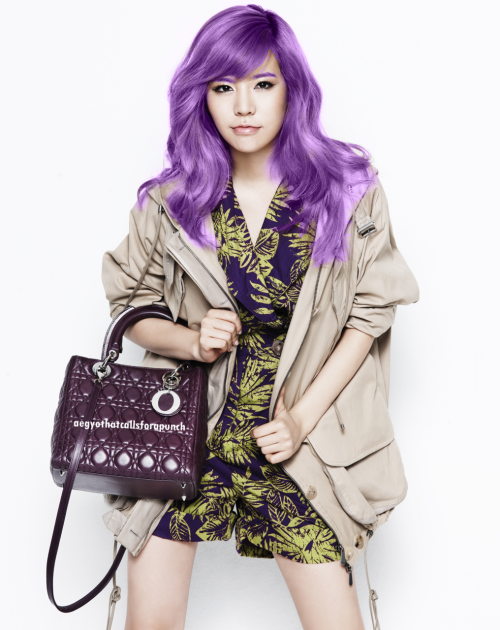 I just wanted to see how sunny will look like if her hair is purple :) I even colored her eyebrows purple ROFL