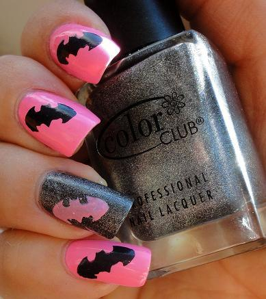 high-on-polish:  batman! nails  OMG! Did you paint the symbols yourself or was it a stamp?! LOVE this so much!