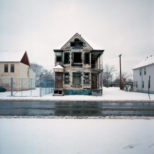 jasondrakeford:  100 Abandoned Houses project, photographed by Kevin Bauman. Wow.