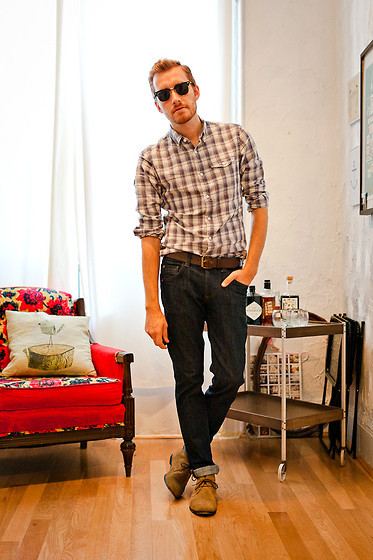 August 18, 2011. Shirt: Club Monaco - $19Jeans: Doctrine DenimShoes: Bed Stu - $49Sunglasses: Ray Ban View on: Lookbook.nu | Chictopia