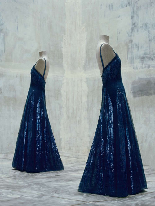 This midnight blue gown by Chanel is justifiably regarded as among the one hundred greatest masterpieces in the collection of the Musée de la Mode et du Textile. As seen in The Impossible Collection of Fashion