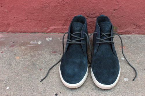 great for all seasons, Strayhorn is ready for Autumn in pavement suede