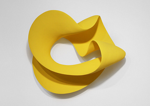 Merete Rasmussen: Yellow wall loop