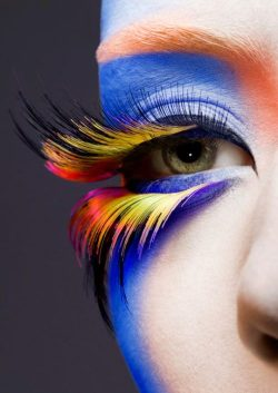 meg2:  Holy awesome eye makeup.