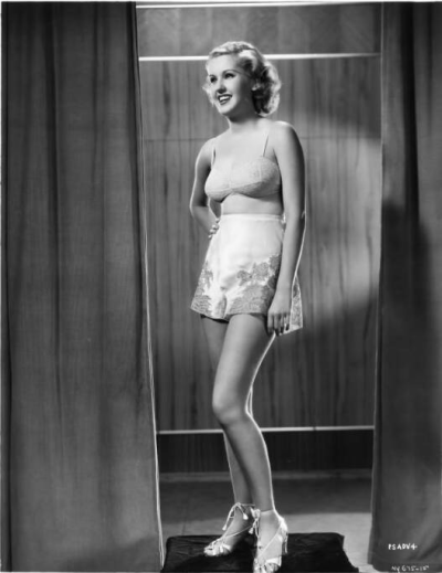 Elizabeth Allan in some stunning 1930s undergarments. Fabulous!