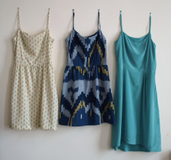 theninthofjanuary:  Sacaton June- One Pattern, Three Dresses  I should learn how to sew.