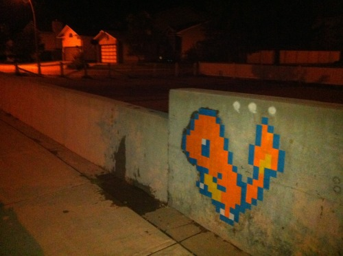 albotas:  Daily Graffiti Charmander pixel graffiti by redandfriends. Check out the DAILY GRAFFITI ARCHIVES for more geektastic street art!