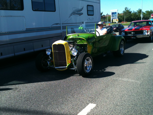 Awesome little green hot rod