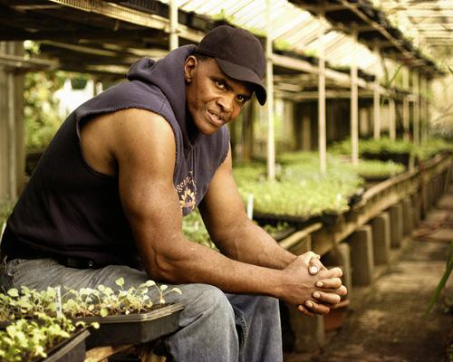 mothernaturenetwork:   Will Allen is an urban farmer and the co-founder and CEO of Growing Power, a national nonprofit organization that helps bring healthy food to underserved urban areas. Recognizing that the unhealthy diets common in low-income, urban populations can create problems like diabetes and childhood obesity, Allen began developing farming methods and educational programs that could give these people access to affordable fresh fruits and vegetables. 12 African Americans who are greening the nation