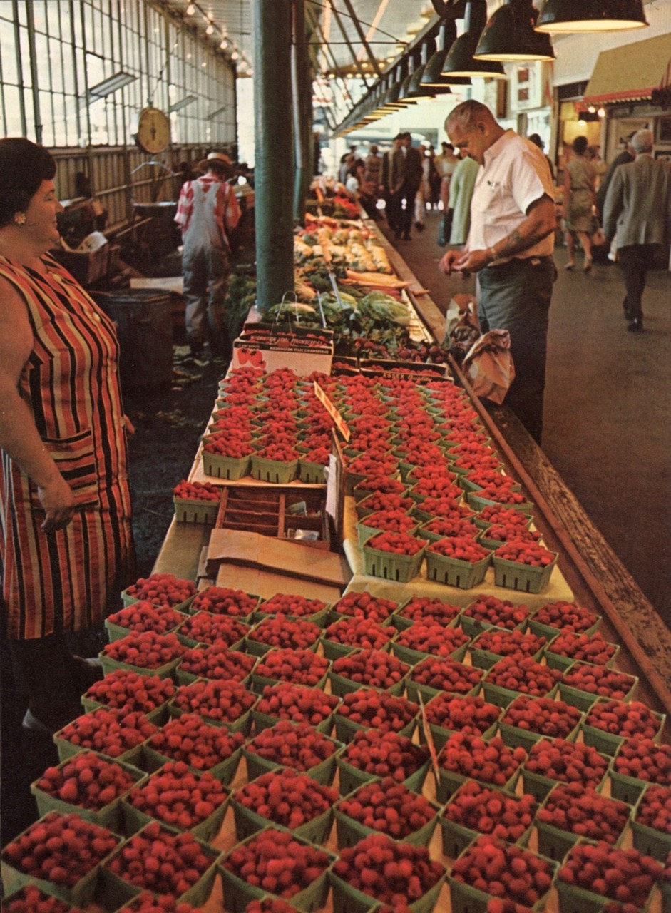theworstcaseontario:  Pike Place market in Seattle, 1968  uhg. everything about this makes me happy.