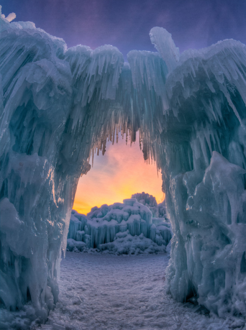 neiture:  Ice Arch | image by William Church
