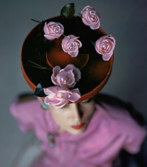 Bonwit Teller hat photographed by John Rawlings for Vogue (August 1944).
