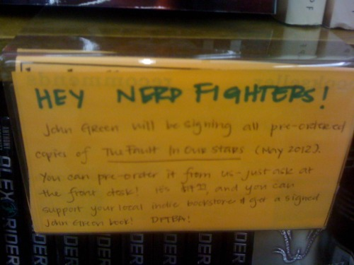effyeahnerdfighters:  Nerdfighters at my local bookstore! Who knew? [submitted by thegirlwhoisntthere]  (I also love Alex Rider books.)
