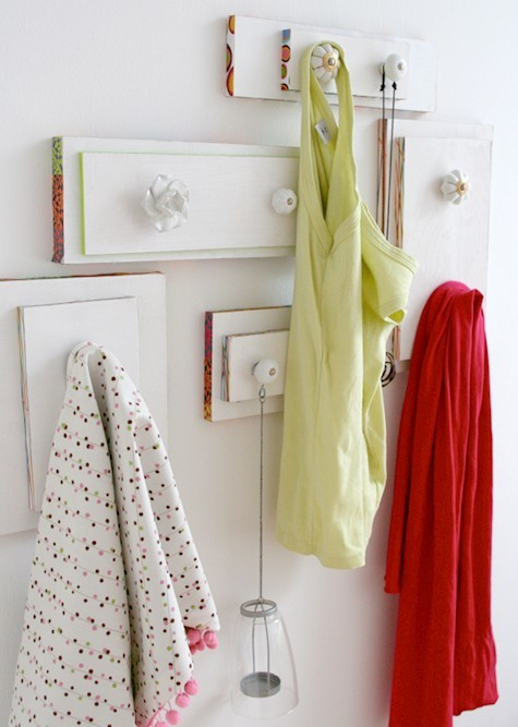 sleepfoodinternet:  DIY Project, recycle drawers into hangers.