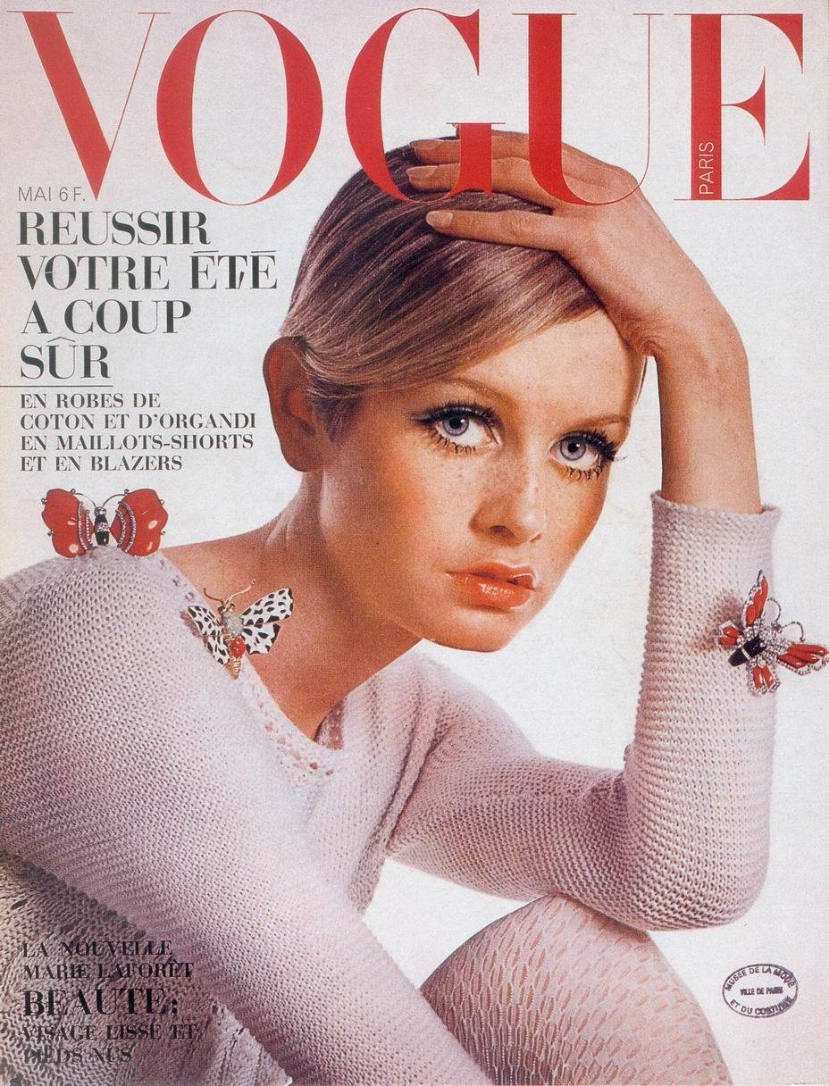 theswingingsixties:  Twiggy on the cover of Vogue, 1967.  Photo by Henry Clarke.