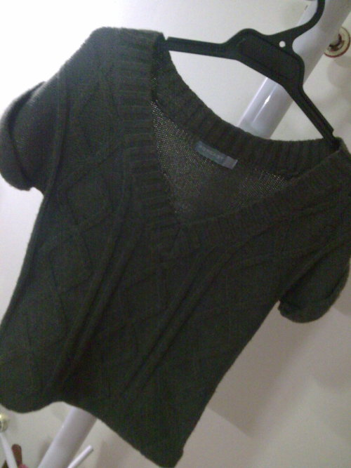 FORCAST KNIT TOPSize: XSColour: Brownish GreyCondition: Excellent as newSelling for: $20