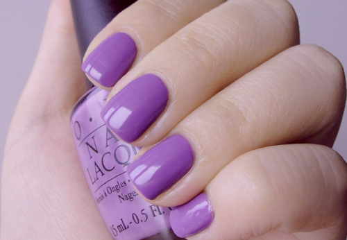 violet nails for sansa