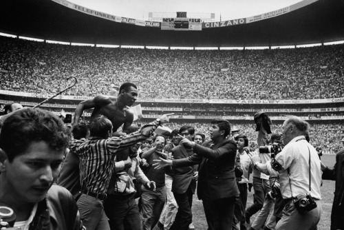 Pele after winning the World Cup. Estadio Azteca, Mexico City, June 21, 1970. Photo by Neil Leifer