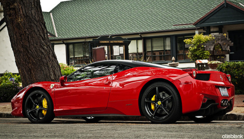 wellisnthatnice:  Ferrari 458 Italia on Flickr.
