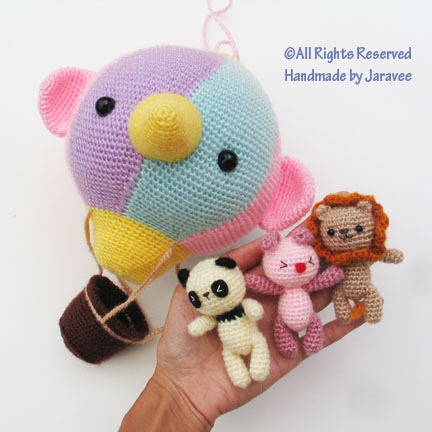 Hot Air Balloon Amigurumi by Jaravee on Flickr.this is so cute!!