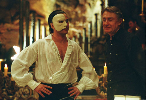 vintagedudes:  Gerard Butler in The Phantom of the Opera.  The best thing in the movie, along with the songs~.