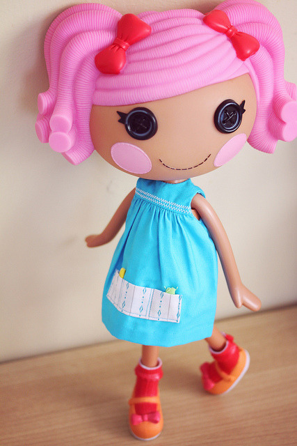 Thanks to a friend in the States, I was able to get this Lalaloopsy. Yay!