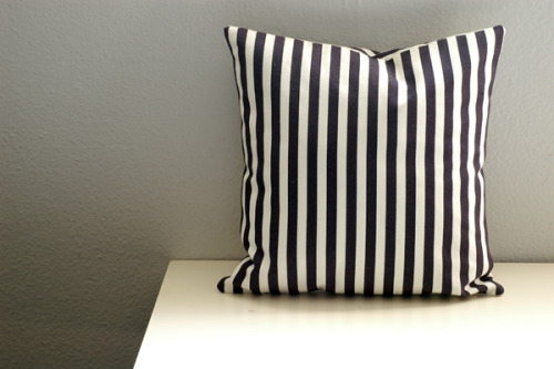 Envelope Pillow Tutorial.