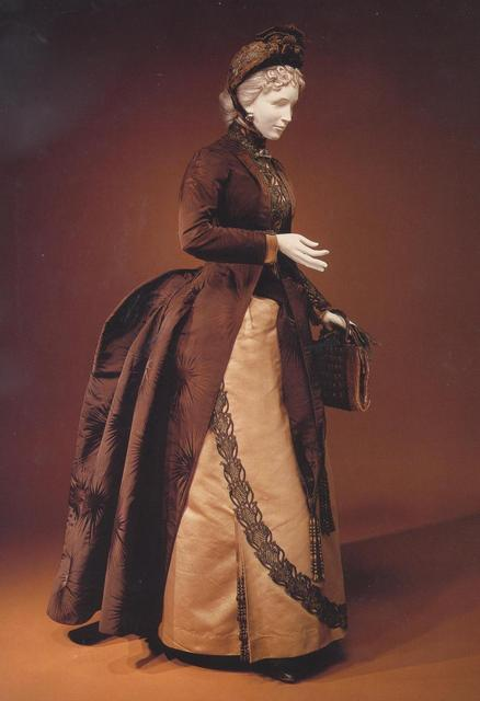 oldrags:  Walking dress by Worth, 1886