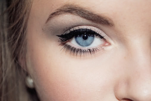 If only I could be this skilled at liquid eyeliner. Damn you, shaky hands!