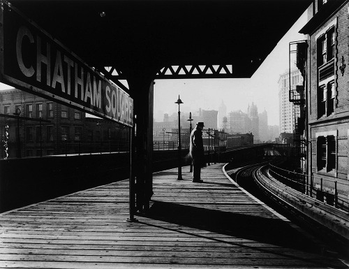Arnold Eagle Chatham Square Platform, New York City, ca. 1939 Thanks to wonderfulambiguity