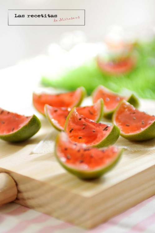 gastrogirl:  watermelon jell-o shots.  Love this idea