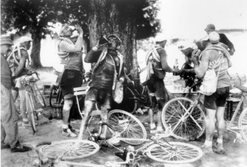 Classics of the Tour de France - 'The Tour of the 20's - Scenes reminiscent of Renoir'