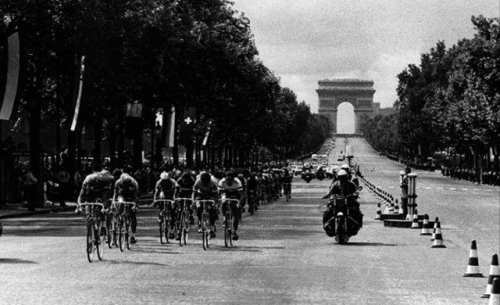 Classics of the Tour de France - '1975 Tour Finish on the Champs Elysées'