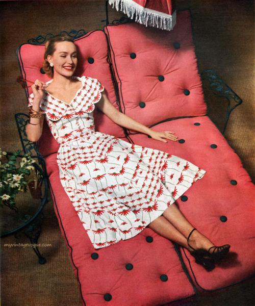 Enka Rayon / Dress by Natalie Renke 1951 - Photo by Weitzen