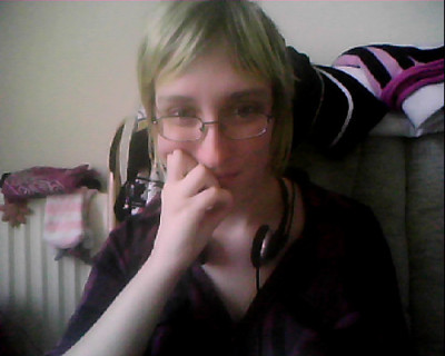 "I forgot I got my hair cut on Thursday. ;_; Didn't get it coloured so bluh. This is really just to say I'm going though my blog and tagging all pics of myself as ""GPOK"" (Gratuitous Picture of Karis) Lol"