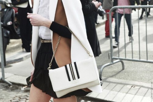 (via Everything Fabulous: Fashion Inspiration: Ebony & Ivory…. in perfect harmony!)