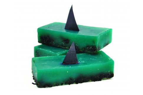 tofutofu:  Shark Fin Soup? Shark Fin Soap!!! new soap creation from Lush! Looks like it's a fun piece in the shower!!