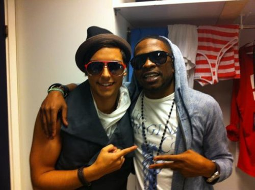 sexyenriqueiglesias:  ERIC AND JSON ;)