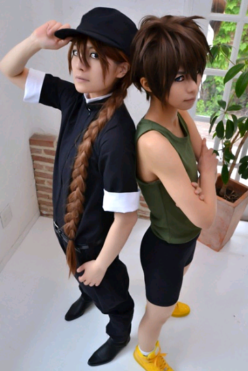 cosplayninja:  I love this shot of two of the Gundam Wing boys. Morito as Heero Yuy || Marumaru as Duo Maxwell