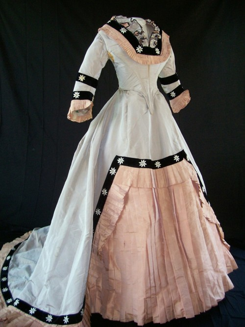Buh. oldrags:  Dress, late 1860's, Antique Frock Buy it for $1,200