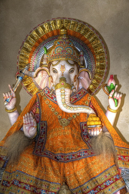 grrrowling:  Ganesha by dartdood on Flickr.