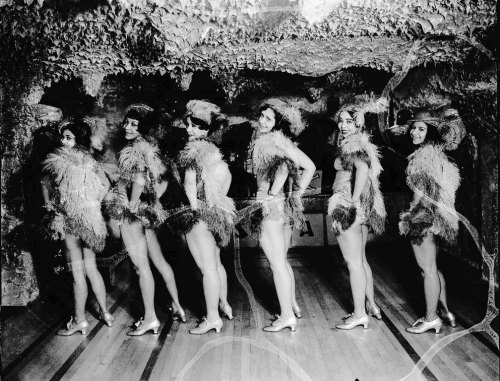 Chorines at the Crystal Caverns (1932) Photograph by the Scurlock Studio. (Source: siris-archives.si.edu)