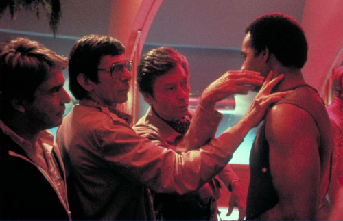 theinsanerobin:  Leonard Nimoy shows DeForest Kelley how to attempt the Vulcan nerve pinch while directing Star Trek III: The Search For Spock, 1984