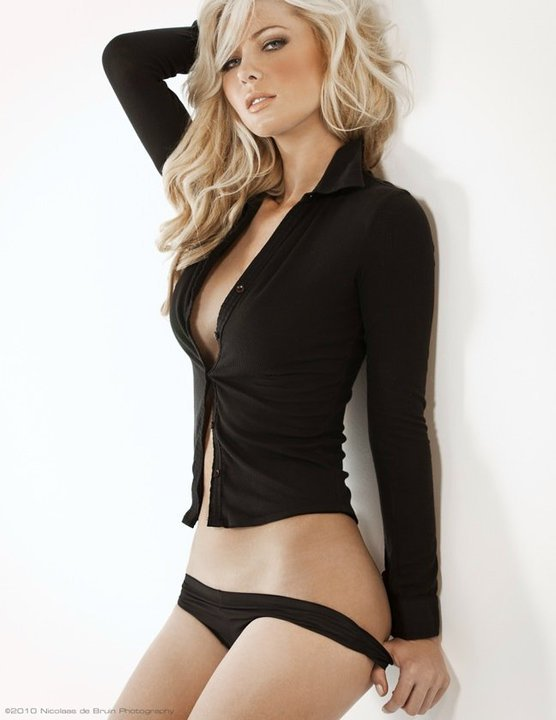ouch-my-eye:  Tiffany Toth